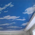 двухуровневые натяжные потолки небо